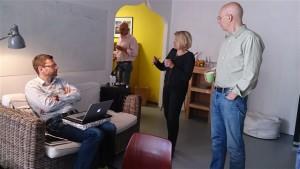 Die Teilnehmerinnen nutzten die Workshop-Pause, um sich auszutauschen