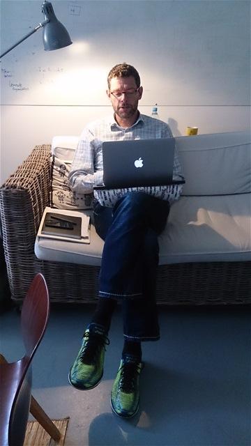 Schreiben kann man überall – auch auf dem Sofa